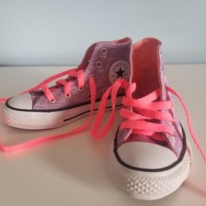 Girls Converse size 11- Never worn